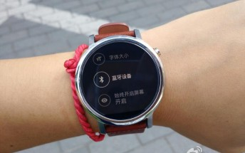 Smaller version of next-gen Moto 360 gets compared to last year's model