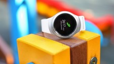 Latest update brings new apps and watch faces to Samsung Gear S2