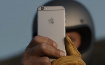 Another round of iPhone 6s ads out, Penelope Cruz and Jon Favreau starring