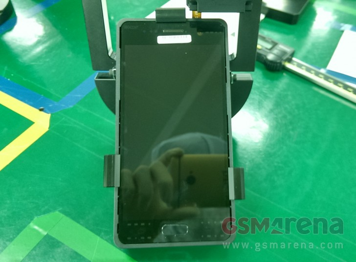 Появились фотографии фронтальной камеры и дисплея Samsung Galaxy S7
