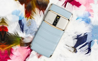 Vertu Signature Touch available in Sky Blue leather