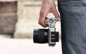 Hasselblad X1D is the company's first mirrorless medium format camera