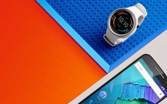 Motorola's giving you a Moto 360 Sport for free if you buy a 64GB Moto X Pure