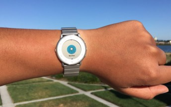 Latest Pebble Time update brings weather app, more accurate health tracking, and fire emoji