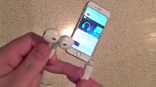 Official Apple lightning EarPods allegedly caught on video