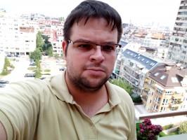 Selfie samples - Oppo F1s Hands On