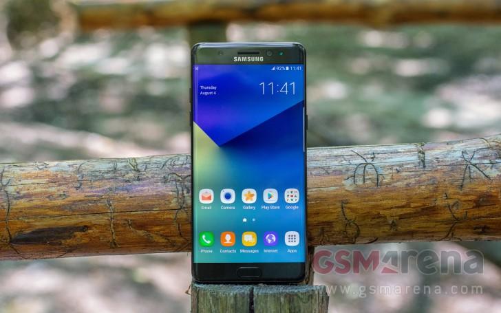 đơn vị Galaxy Note7 bán bởi AT & T và T-Mobile cũng nhận được bản cập nhật chỉ báo pin màu xanh lá cây