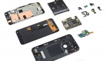 Google Pixel XL undergoes the teardown treatment, its repairability score is 6 out of 10