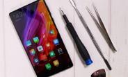 Xiaomi Mi Mix taken apart easily, but the screen may be hard to swap