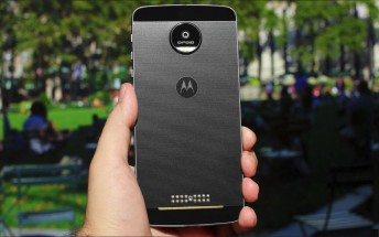 Nougat update starts hitting unlocked Motorola Moto Z units in US
