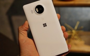 Last chance to grab a (white) Microsoft Lumia 950 XL for $299.99 unlocked