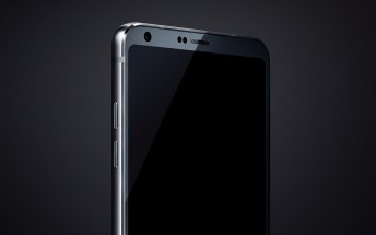 LG G6 leaked image shows top half with impressively small bezels