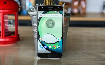 Moto Z Play in Europe gets Android Nougat this month too