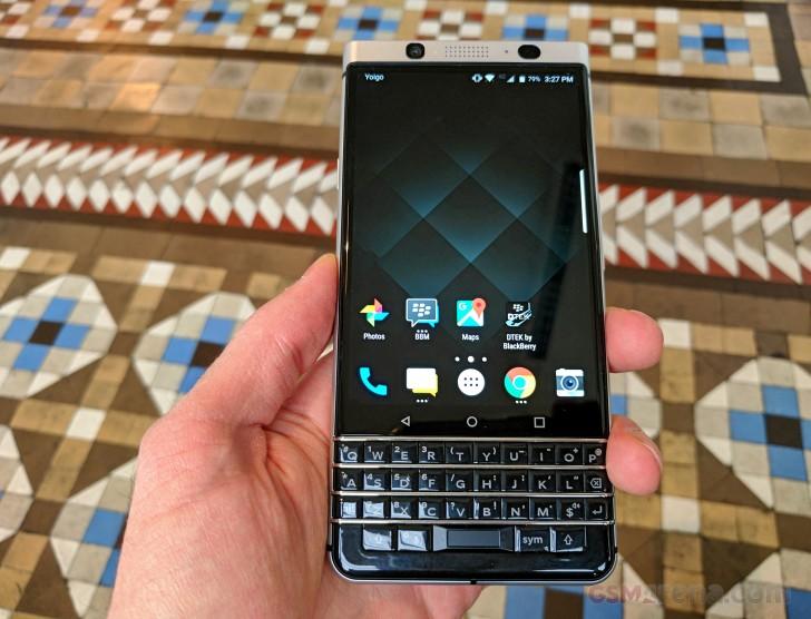 TCL giới thiệu BlackBerry KEYone, không đẹp như kỳ vọng