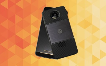 Motorola to launch 12 Moto Mods in 2017
