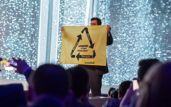 Greenpeace protester makes a guest appearance at Samsung's keynote
