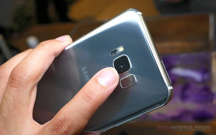 Samsung Galaxy S8 uses two different camera sensors ...