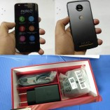 Moto Z2 Play and its retail box