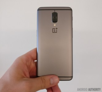Different OnePlus 5 prototype from yesterday