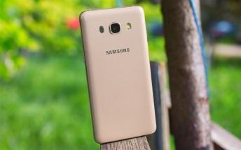 Samsung Galaxy J5 (2015) will get Nougat in November
