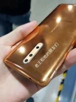 Nokia 8 en or-cuivre