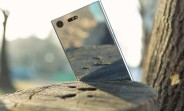 Sony Xperia XZ Premium scratches, burns, but doesn't crack when bent