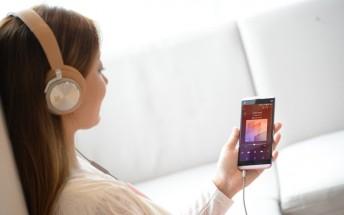LG Q8 goes on sale, Q6 to follow next week