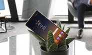 Galaxy Note8 undergoes scratch, burn, and bend test