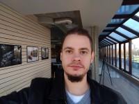 Selfie with the Zenfone - Asus Zenfone 3 ZE552KL review