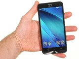 In the hand - Asus Zenfone Max ZC550KL review