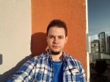 Selfies: Galaxy S7 - Galaxy S7 vs. iPhone 6s