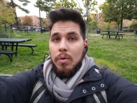 Selfie in daylight, HDR+: OFF - Google Pixel review