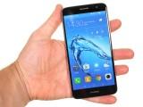 Handling the Huawei nova plus - Huawei Nova Plus review