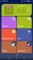 Simple homescreen with a tiled interface - Huawei Nova Plus review