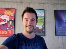 Selfie samples, low light: Pixel XL HDR+ Auto - iPhone 7 Plus vs. Pixel XL