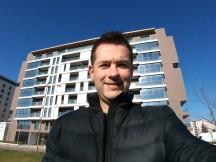 Selfie samples: Wide - LG V20 review