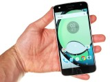 Moto Z Play in the hand - Motorola Moto Z Play review