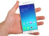 In the hand - Oppo F1 Plus review