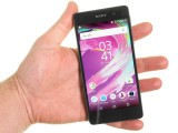 The Xperia E5 in the hand - Sony Xperia E5  review