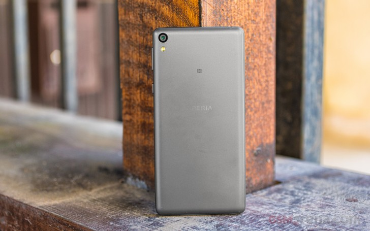 sony xperia e5 review performance