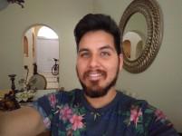 Indoor selfie - HDR: Off - Blackberry Keyone review