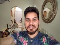 Indoor selfie - HDR: On - Blackberry Keyone review