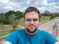 HTC U11 selfie samples - f/2.0, ISO 41, 1/674s - HTC U11 review