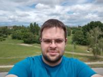 HTC U11 selfie samples - f/2.0, ISO 41, 1/715s - HTC U11 review