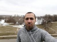 Normal selfie - Huawei Mate 9 Pro review