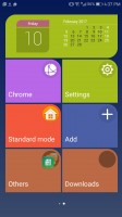 Simple homescreen with a tiled interface - Huawei Mate 9 Pro review