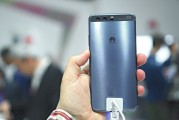 Huawei P10 Plus in Dazzling Blue - Huawei P10 and P10 Plus hands-on