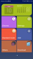 Simple homescreen with a tiled interface - Huawei P10 review