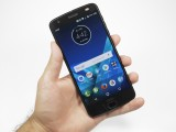 Moto Z2 Force in the hand - f/7.1, ISO 100, 1/30s - Lenovo Moto Z2 Force review