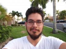 V30 selfies: narrow - f/2.2, ISO 50, 1/60s - LG V30 Handson review